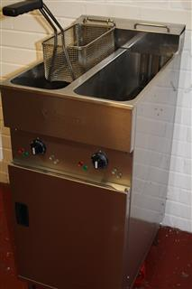 Valentine V2200 Twin Fryer reconditioned